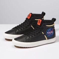 e0fcf66fe4 DQ5UQ3 - Vans x Space Voyager Sk8-Hi 46 MTE DX Nasa Clothes