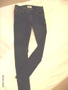 """""""Abercrombie Kids""""the A&F super skinnySize16 GirlsBoys DenimJeansStretch 28""""x30"""" ONLY 1 DAY LEFT TO LEAVE ME AN OFFER--FREE SHIPPING!!!"""