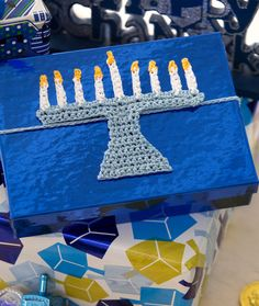 Menorah Gift Tie Free Hanukkah Crochet Pattern from Red Heart Yarns Crochet Stitches Patterns, Crochet Motif, Crochet Designs, Knitting Patterns Free, Free Knitting, Free Crochet, Free Pattern, Crochet Hair, Irish Crochet