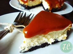 The best ever Cheesecake, with Caramel and Oreo Cookies! Greek Desserts, Party Desserts, Dessert Recipes, Yummy Treats, Sweet Treats, Oreo Cheesecake Recipes, Cookie Cheesecake, My Dessert, Chocolate Desserts