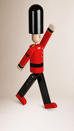 Military red The Grenadier Limited Edition Wooden Puppet - Image 4