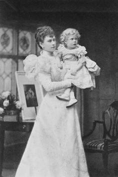 Princess Victoria Mary (May) with Prince Edward (later Duke of Windsor), when Duchess of York. She later became Queen Mary. Queen Victoria Family, Princess Victoria, Queen Mary, Queen Elizabeth Ii, Royal Family Names, British Royal Houses, Royal King, Duchess Of York, English Royalty