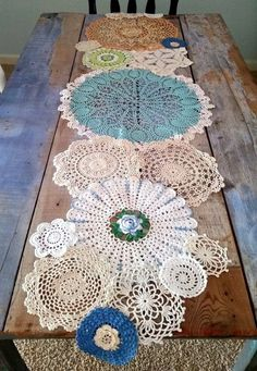 Spring Table Runner from Lace Doilies for Country Cottage Decor Doilies Crafts, Lace Doilies, Crochet Doilies, Crochet Pillow, Framed Doilies, Scarf Crochet, Crochet Lace, Crochet Projects, Craft Projects