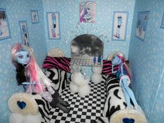 Monster High Doll House Abbey Bominable room with snowball vanity, chair and beds