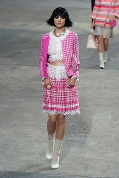 Pin for Later: So You Say You're a Chanel Fan? Chanel Spring 2014