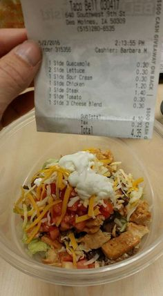 In a pinch.Eating out keto style - Taco Bell Keto Restaurant, Keto On The Go, Keto Fast Food, Healthy Snacks, Healthy Eating, Diet Recipes, Healthy Recipes, Food Porn, Foodblogger