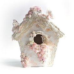 """ScrapMan: Warsztaty """"Sweet Home""""- VII Ogólnopolski Zlot Scrapbookingowy Shabby Chic Birdhouse, Handmade Crafts, Diy And Crafts, Casas Shabby Chic, Birdhouse Craft, Decoration Shabby, Clay Fairy House, Clay Fairies, Bird Boxes"""