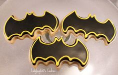 Batman cookies handmade & iced One dozen by on Etsy Batman Food, Lego Batman Party, Batman Birthday, Boy Birthday, Batgirl Party, Birthday Cakes, Birthday Parties, Batman Cookies, Superhero Cookies
