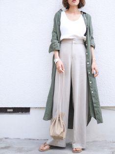 Fashion Tips Ideas .Fashion Tips Ideas Japanese Minimalist Fashion, Minimalist Fashion Women, Minimal Fashion, Muslim Fashion, Modest Fashion, Korean Fashion, Fashion Outfits, Japan Fashion Casual, Fashion Hats