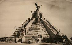 Construcción del Monumento a la Raza. Manuel Ramos