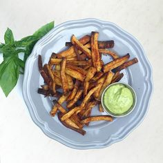 Oven Fries Today, we're talking all about french fries! Specifically, approved oven baked french fries! These baked fries pair perfectly with grilling season! Deep Fried French Fries, Oven Baked French Fries, Paleo Whole 30, Whole 30 Recipes, Healthy Dessert Recipes, Paleo Recipes, Paleo Ideas, French Fry Recipe Baked, Whole 30 Approved Foods