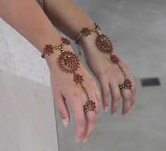 Brown and brass flowers and chain slave bracelet by NevelynkaNasha