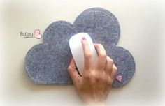 NUVOLA, tappeto per mouse IN FELTRO grigio  realizzato e firmato fattoconilcuore , rendi originale la tua postazione al computer