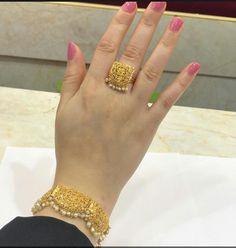 Jewellery Lessons Near Me despite Jewellery Stores Oshawa on Masonic Jewelry Store Near Me Gold Ring Designs, Gold Bangles Design, Gold Earrings Designs, Gold Jewellery Design, Dubai Gold Jewelry, Gold Rings Jewelry, Hand Jewelry, Stylish Jewelry, Masonic Jewelry