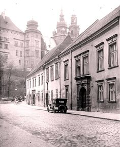 Kanoniczna w Krakowie Germany And Prussia, Old Photos, Beautiful Places, Old Things, Street View, History, City, Travel, Thesis