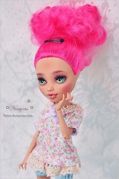 Custom Monster High Dolls, Monster High Repaint, Custom Dolls, New Dolls, Ooak Dolls, Pretty Dolls, Beautiful Dolls, Howleen Wolf, Pokemon Dolls