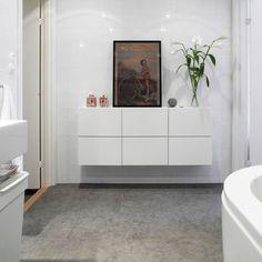 Badrum med stenkänsla Bathroom Inspiration, Bathroom Ideas, Scandinavian Design, Master Bathroom, Tiles, Sweet Home, House, Furniture, Bath Room