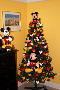 Mickey tree #Christmas