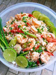 Authentic Thai Food, Dessert Recipes, Desserts, Thai Recipes, Pasta Salad, Shrimp, Asian, Dishes, Meat