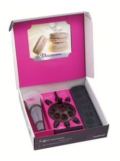 Mastrad and Traditional Wine Rack Co - Macaroon Gift Set - Ideal for making perfect macaroons, just like a professional pastry cook! Homemade Macarons, Meringue Pavlova, Pastry Cook, Afternoon Delight, Bakery Business, Baking Set, Baking Tools, Macaron Recipe, Cute Food