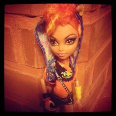 Howleen Wolf ♡ Howleen Wolf, Monster High Dolls, Princess Zelda, Disney Princess, Disney Characters, Fictional Characters, Beauty, Fantasy Characters, Beauty Illustration