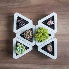 Muuch Rhombus Modular Flowerpot by Estudio Floga. Concrete Molds, Concrete Crafts, Concrete Projects, Concrete Planters, Cement Art, Concrete Art, Concrete Design, Indoor Water Garden, Flower Pot Design