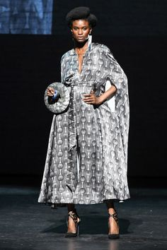 In Celebration of the Anniversary of the Harlem Renaissance, Ozwald Boateng Brought Fashion to the Apollo Theater - Vogue Ozwald Boateng, African American Women, American History, Native American, Movie Black, Laser Cut Leather, Dapper Dan, Harlem Renaissance, Savile Row