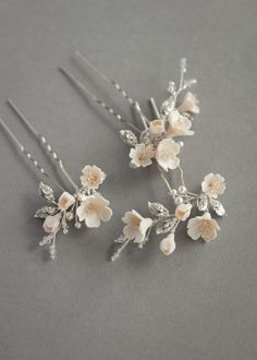 FABLES champagne floral hair pins 5 Wedding Hair Pins, Headpiece Wedding, Bridal Headpieces, Wedding Veils, Faceted Crystal, Crystal Beads, Wedding Accessories, Hair Accessories, Romantic Updo