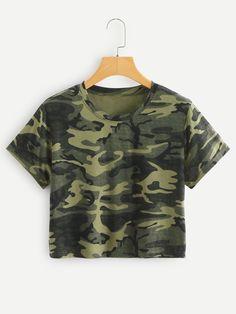 Shop Camo Print Crop Tee at ROMWE, discover more fashion styles online. Crop Top Shirts, Tie Dye T Shirts, Cute Shirts, Crop Tee, Girls Summer Outfits, Cute Girl Outfits, Camo Outfits, Fashion Outfits, Sweatshirts