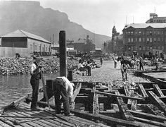 Removal of old pier, Adderley Street, Cape Town. Old Pictures, Old Photos, Vintage Photos, Cape Town South Africa, Most Beautiful Cities, Historical Pictures, African History, Continents, Around The Worlds
