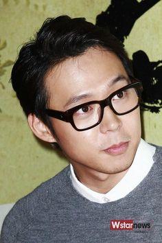 無精髭に眼鏡…たまりましぇん…♡∀♡ (これはGENTLE MONSTER) #YUCHUN #박유천 #ユチョン