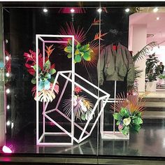 The brand new concept pop up store, LIT… Window Display Design, Store Window Displays, Display Windows, Visual Merchandising Displays, Visual Display, Showcase Design, Interior Exterior, Retail Design, Store Design