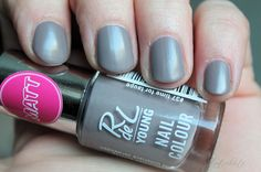 Zimtschnute | Beauty & Kosmetik Blog: Rival de Loop Young - Matt Nail Colour #37 Time for Taupe
