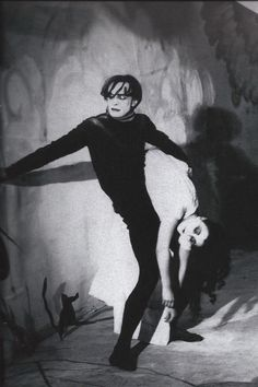 a character analysis of cesare in the film the cabinet of dr caligary by robert wiene Fantasy and dream work in the cabinet of dr caligari dr caligari and the somnambulist cesare by robert weine the film features a character.