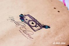 Aplicação de logo fotografia de duas uma - Narlla Oliveira