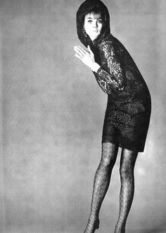 Jean Shrimpton in a short mocha lace dress with matching mantilla lace hood tied with a brown satin tie by Nettie Vogues, photo by David Bailey for Vogue UK 1965 Sixties Fashion, Mod Fashion, Timeless Fashion, Vintage Fashion, Vintage Style, High Fashion, David Bailey Photography, John Cole, Jean Shrimpton