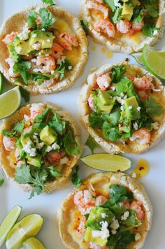 A vol-au-vent with langoustines - Healthy Food Mom Authentic Mexican Recipes, Mexican Food Recipes, Vol Au Vent, Seafood Dishes, Seafood Recipes, Tostadas, Quesadillas, Langostino Recipes, Sopes Recipe
