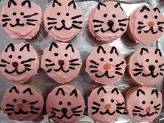 If you're looking for a fun and easy way to decorate cupcakes for a kids' party or for the cat lover in your life, try making these cute Cat Face Cupcakes. get some yourself some pawtastic adorable cat appa 10th Birthday Parties, Cat Birthday, Birthday Cakes, Birthday Ideas, Cupcake Day, Cupcake Frosting, Cat Cookies, Animal Cupcakes, Cat Party