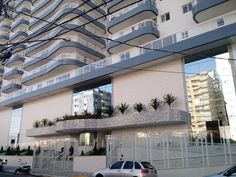 Apartamento Novo com 2 dormitórios com 2 suítes, sala, cozinha, varanda, área de serviço, 2 vagas na garagem, piscina, salão de jogos, salão de festas e academia.  ACEITA VEICULO OU APARTAMENTO DE MENOR VALOR COMO ENTRADA. R$ 360.000 REFERENCIA: AP0078  Interessados Ligar para (13) 3477-2586 WhatsApp: (13) 98826-2586 Oi