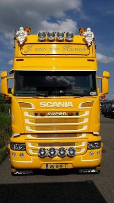 Scania*Super Used Trucks, Big Rig Trucks, Tow Truck, Cool Trucks, Transport Pictures, Scania V8, Transport Companies, Road Train, Volvo Trucks