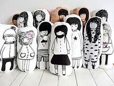 Dekoracyjna poduszka dziewczynka z gwiazdką - Sklep Toto Design