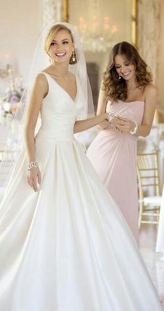Clássico, romântico e lindo! #weddingdress #bride #castelo #romance