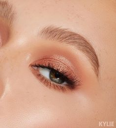 , [Sorta Sweet shades Buttermilk and Raspberry Sugar ✨ launching TOMORROW at . Sorta Sweet shades Buttermilch und Himbeerzucker ing Start von TO. Makeup Goals, Makeup Inspo, Makeup Inspiration, Makeup Ideas, Makeup Tutorials, Makeup Geek, Light Eye Makeup, Natural Eye Makeup, Natural Eyeshadow Looks