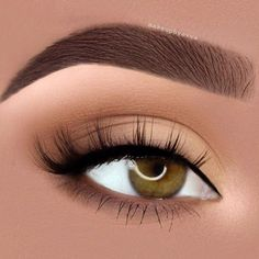 Almond eyes are considered to be ideal, but there are few things you need to know to enhance your natural beauty properly. Make the windows of your soul shine with that perfect charm and beauty that mother nature granted you with! Use our knowledge to your own advantage! #makeup #makeuplover #makeupjunkie #almond