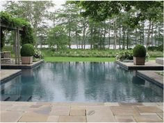 Lovely pool and setting.