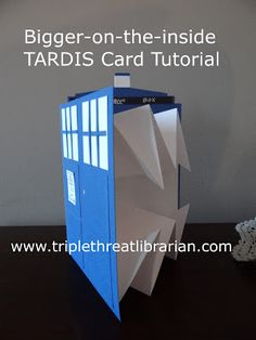 Triple Threat Librarian: Tutorial: Bigger-on-the-inside TARDIS card - Somewhat involved, but a fun craft idea for a Doctor Who party The Tardis, Geek Crafts, Fun Crafts, Paper Crafts, Doctor Who Party, Doctor Who Valentines, Doctor Who Wedding, Paper Toy, Karten Diy