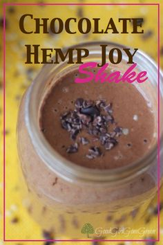 Seems like it is shake time and I just love the combination of chocolate and bananas. This is how the chocolate hemp shake was born!