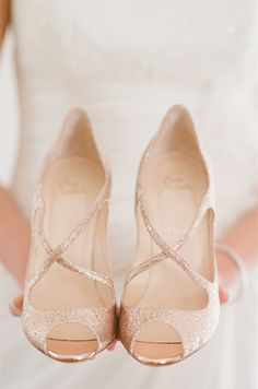 rose gold wedding shoes - simply gorg!