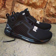 "1ddbce037c55 Loversneakers on Instagram  ""Puma Ignite Limitless Triple Black Size Man -  Price  110€ (Spain Envíos Gratis a Partir de 99€) www.loversneakers.com…"""