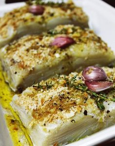 Bacalhau em Crosta Crocante de Pão Cod Recipes, Fish Recipes, Vegetable Recipes, Seafood Recipes, Cooking Recipes, Healthy Recipes, Fish Dishes, Seafood Dishes, Bacalhau Recipes